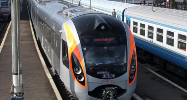 «Укрзалізниця» назначила дополнительные рейсы в Киев и Харьков через Полтаву и Миргород