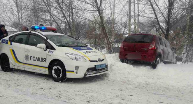В Кременчуге угнанный Renault съехал в кювет