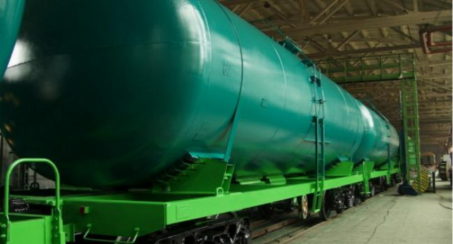 Для Крюковского вагонзавода центр занятости обучит навыкам профессии «маляр по металлу»