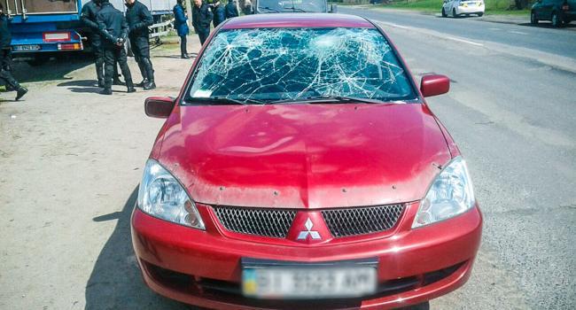 В акцию протеста в Кременчуге въехала машина