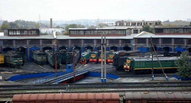 В Кременчуге локомотивное депо объявило итальянскую забастовку