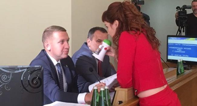 Кума Пиддубная сцепилась с кумом Малецким из-за гаража и автомобиля