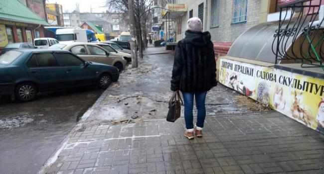 В Кременчуге гололед: дороги еще, куда ни шло, а тротуары – зона повышенного риска