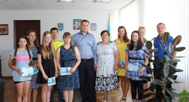 Наразі для дітей Полтавщини це сьоме традиційне заохочення до знань.