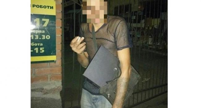 Чоловік тікав від поліцейських, при затриманні не зміг пояснити – звідки у нього техніка.