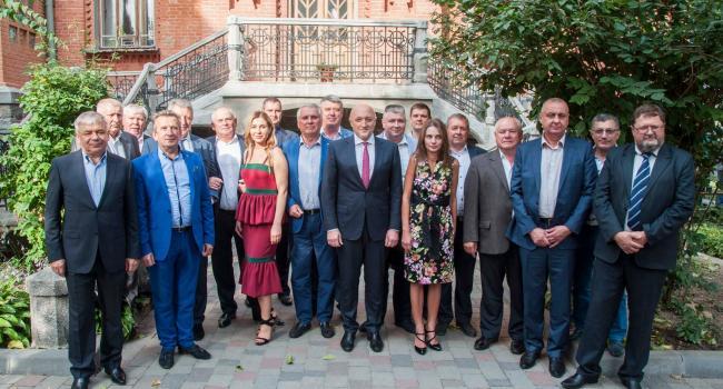 Що сьогодні об'єднало губернатора Головка з кременчуцькими директорами Черняком, Приходьком, Данилейком, Леготкіним та іншими