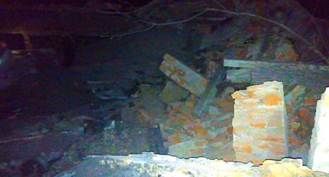 В Кременчуці чоловіків привалило стіною, коли вони розбирали з неї цеглу: є жертви