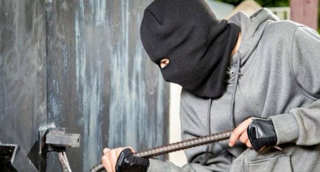 Крадії тягнуть з гаражів і підвалів особисте майно кременчужан