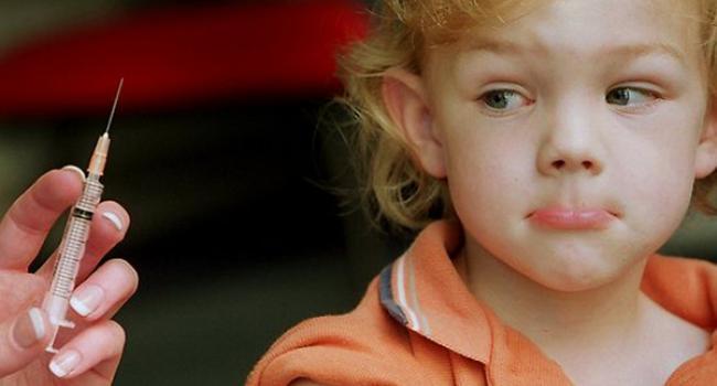У трьох областях України дітям, не щепленим проти кору, заборонять відвідувати дитсадки і школи – МОЗ