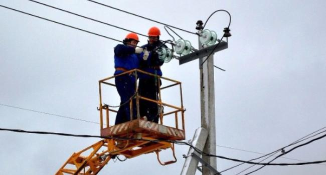 Мешканці Раківки протягом місяця матимуть клопіт з електропостачанням
