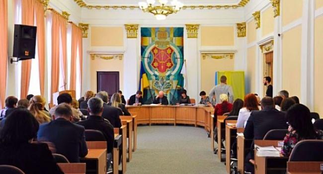 Полтавці хочуть відкликати двох депутатів міської ради