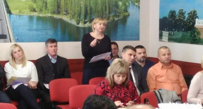 Кременчуцькі депутати хочуть знати, коли в Кременчуці згадають про енергозбереження у комунальних закладах