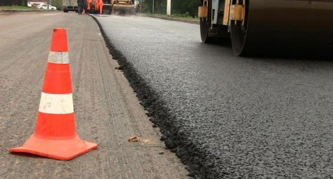 На Полтавщині на ремонт доріг цього року заплановано 214 млн грн, із них 112 - на ямкові ремонти