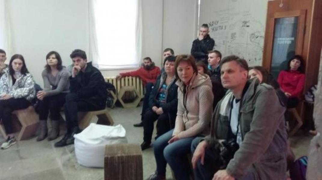 """Бельгийские студенты меняют облик """"дворцовых"""" помещений"""
