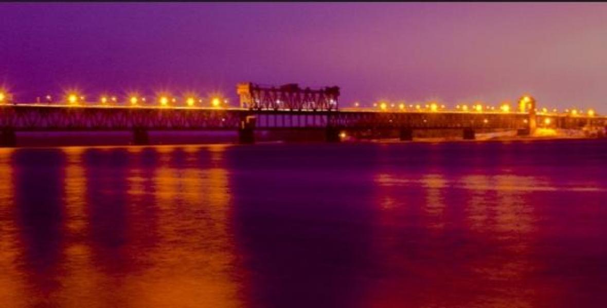 Крюковский мост осветили