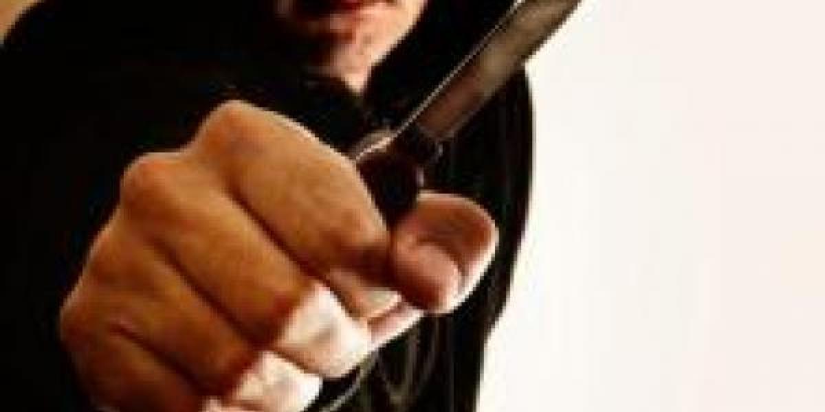 В Кременчуге на Молодежном очередное ножевое ранение