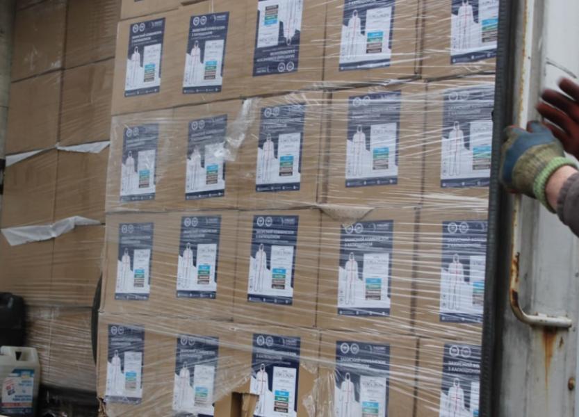 Полтавщина отримала близько 13 тисяч костюмів захисту для медпрацівників, які працюють із хворими на COVID-19